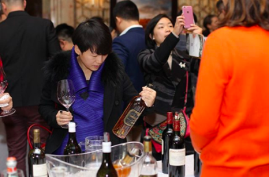 CHINAS WINE IMPORTS UP FROM JANUARY TO AUGUST