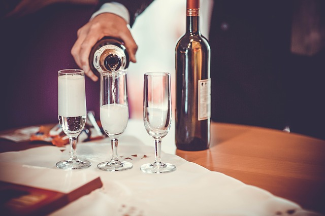 Sparkling Wine Sales Grow 76 Percent In The Uk | Go-Wine
